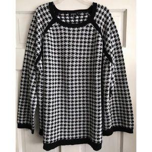 BB Dakota Houndstooth Sweater